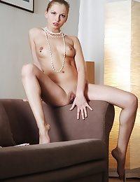 Julia from Skokoff.com - True Beauty Femmes - erotic nudes of Skokoff, avErotica, eroKatya, eroNata